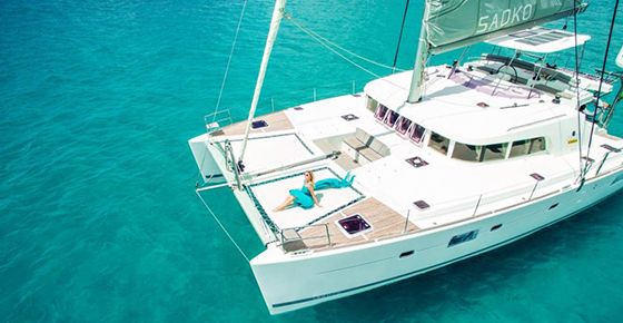 Private Luxurious Catamaran Cruise - Benitiers Island